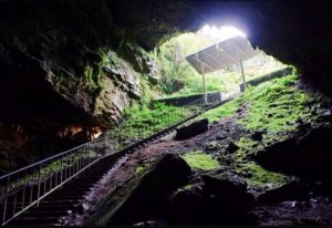Light shining into Dunmore Caves