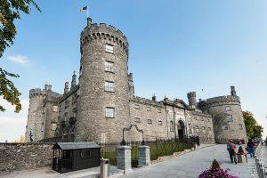 Street shot of Kilkenny Castle